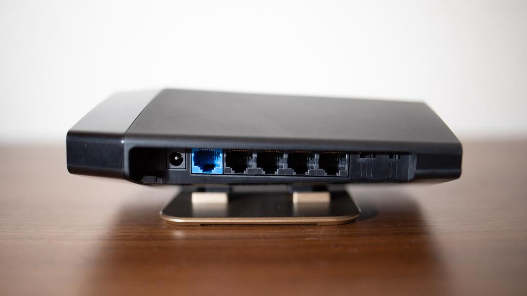 Buffalo wifi AX6 WSR-5400AX6 横置き