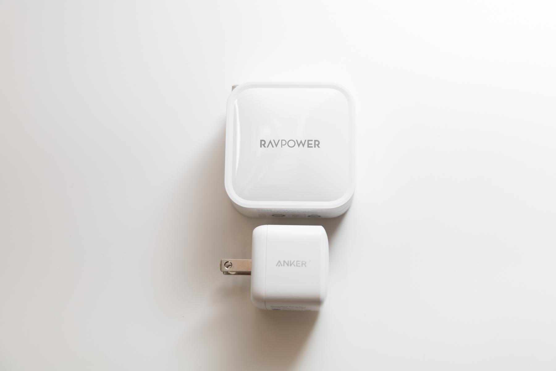 RAVPower 90W充電器 anker 31W充電器比較